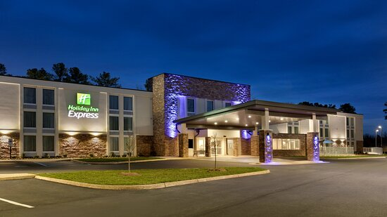 exterior - Hotels Near Busch Gardens Va Tripadvisor