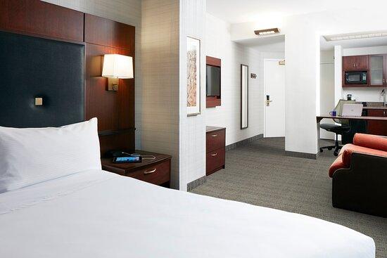 Club Quarters Hotel in Boston: Suite