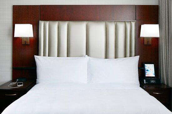 Club Quarters Hotel in Boston: Guest room