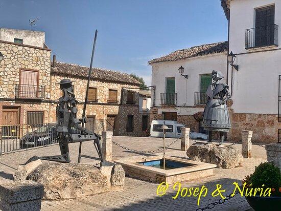 Monumento A Don Quijote Y Dulcinea