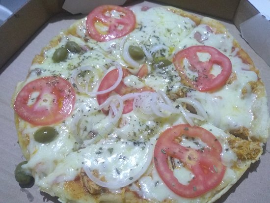Canudos, BA: Pizza mixta