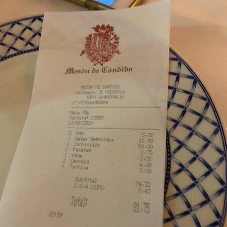 Comer el mejor cochinillo de España a la luz del mejor acueducto del mundo.