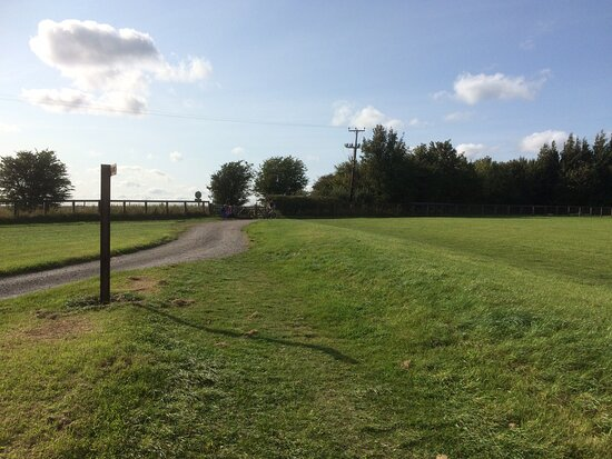 Broad Hinton, UK: Barbury Castle Country Park