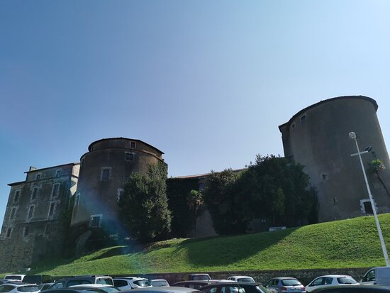 Chateau-neuf