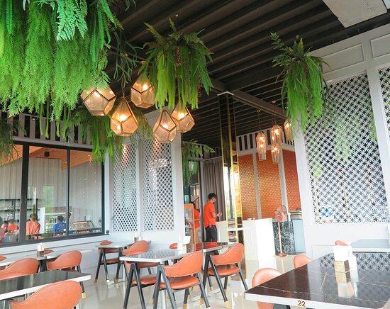 Tha Yu, Thaïlande : บรรยากาศภายใน ห้องอาหาร แห่งนี้ ครับ