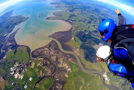 20,000 Feet Tandem Skydive & Gannet...