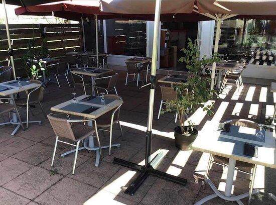 Rambervillers, Франция: Terrasse d'été