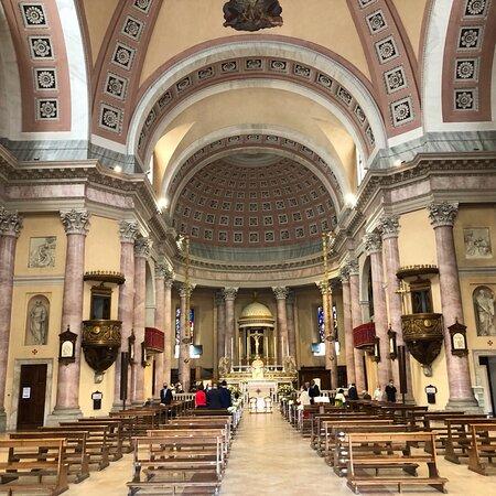 Chiesa molto ampia