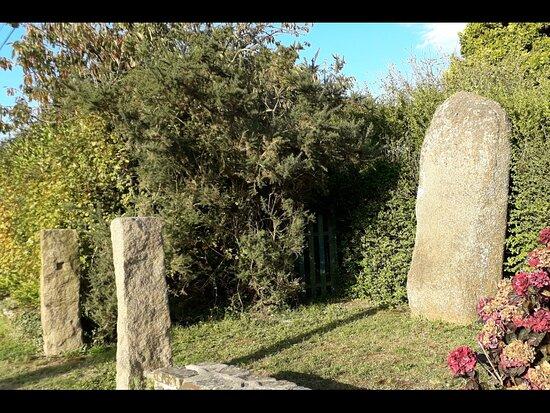 Menhir de Trémarche à Trégastel
