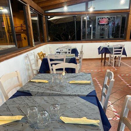 Priola, Taliansko: Pizzeria buona personale gentile, senza pretese con tavoli interni ed esterni pizza buona