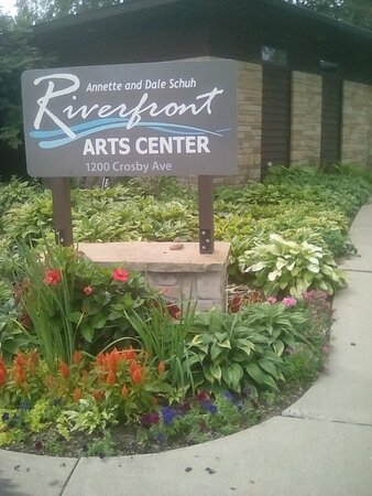 Riverfront Arts Center