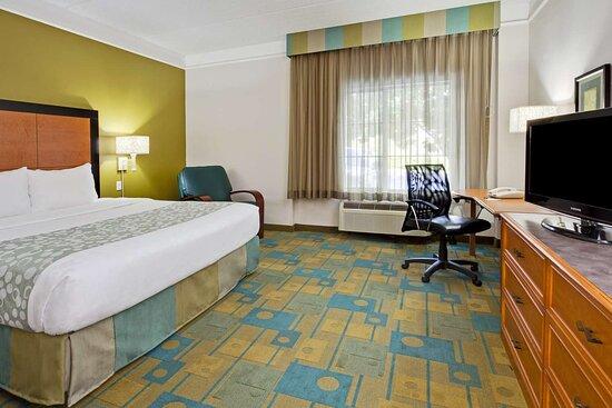 guest room pnk