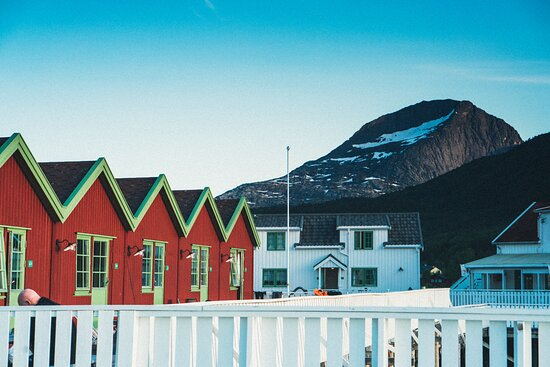 Kjerringøy, Norge: Fjell og sjø så langt øyet kan se.
