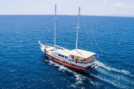 Zakynthos Sightseeing & Relaxation Yacht Cabin Charter