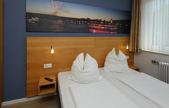 Pinger Hotels & Tours