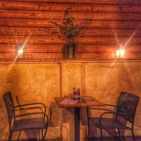 ☀️Summer garden 🍴Gangsterburger interior ✌️Chill light chairs and table