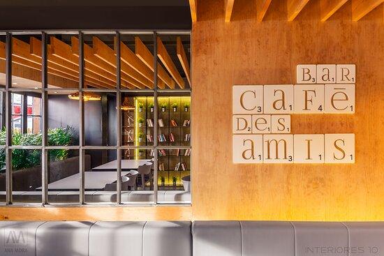 imagen Bar Café Des Amis en Roquetas de Mar