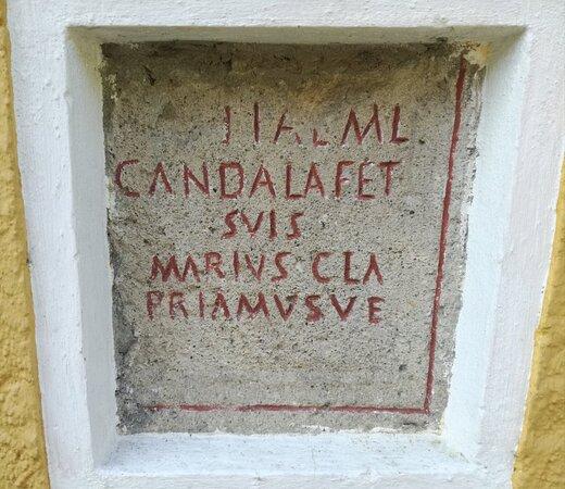 Römische Grabinschrift beim Haus Dellach 103