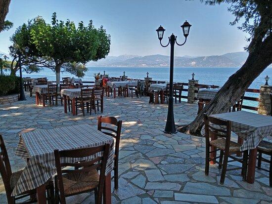 Lampiri, Greece: Le foto non rendono giustizia, la vista è da togliere il fiato