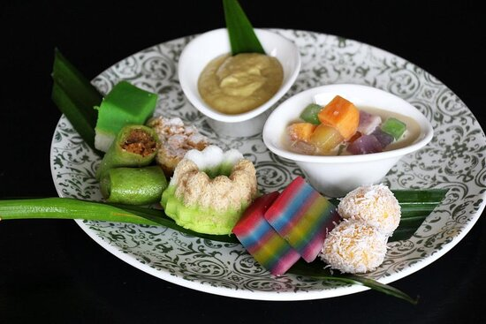 Assorted Nyonya kuehs and desserts