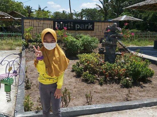 Martapura, إندونيسيا: Biuti park adalah makanan khas banjar yang bernuansa alam nan asri .
