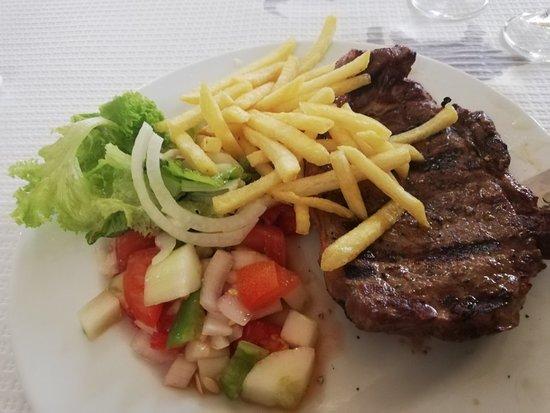Salir do Porto, Portugal: Lunch second day running 17th September 2020 Thursday Friendly service but should be listed Salir Loulé Faro TripAdvisor 👍🇵🇹😀