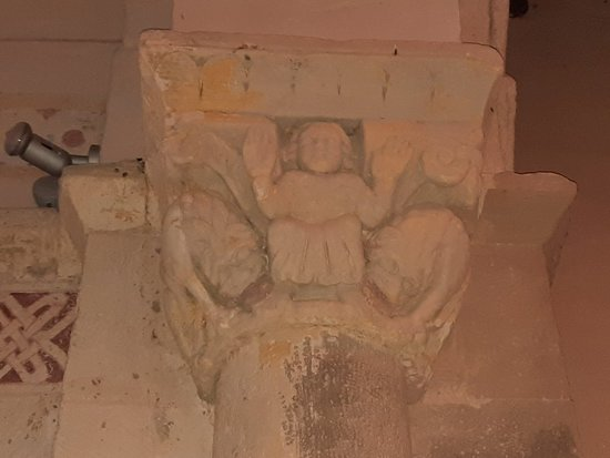 Iglesia De Santa Maria De Hoyos