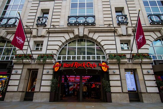 ‪Hard Rock Cafe London and Piccadilly Circus‬