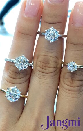 round brilliant cut diamonds on our six prong pave and solitaire settings.