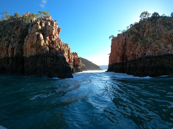 Talbot Bay, Australia: Horizontal Falls at high tide. Looking 'down' the falls.