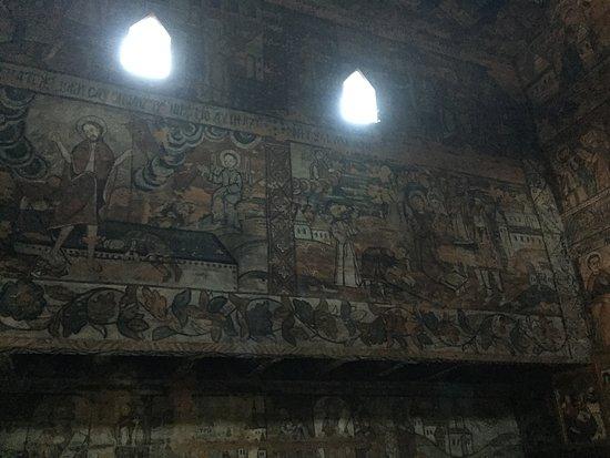 Ieud, โรมาเนีย: frescos on the wood inside the church.