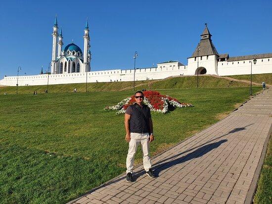Tysyacheletiya Square