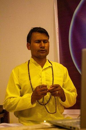 Yogi Rajan is teaching an online meditation teacher training course.