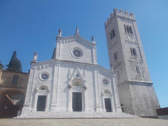 Porcari, Ιταλία: Chiesa di San Giusto - Facciata e campanile