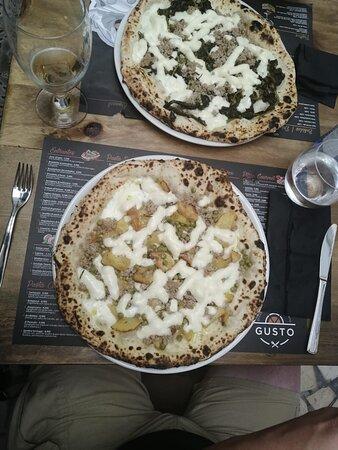 Una vera pizza napoletana