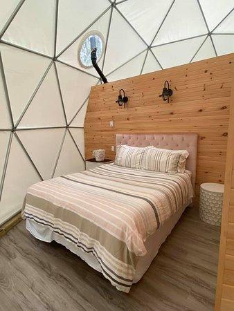 Albany, Kanada: Queen size bed.