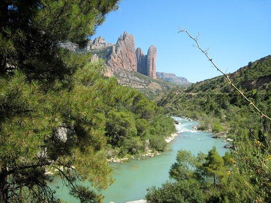 Souvenirs de mes Voyages --- Espagne -- Aragon -- Parcourir la beauté de cette vallée ou coule le Rio Gallego un véritable enchantement -- 20.09.22