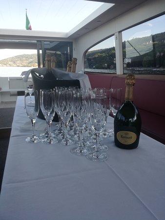 Degustazione di Champagne Ruinard nel golfo Borromeo