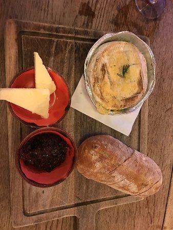Baked camemebert with ciabatta