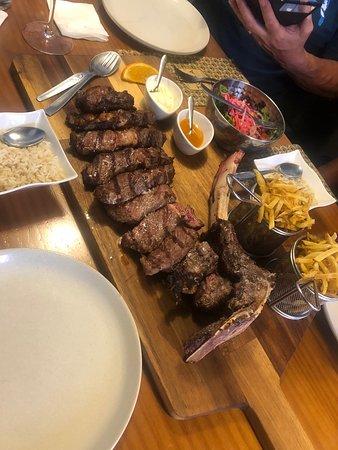 Superbe repas chez TOCA les prix son superbe ! Et leurs plat sont excellents accueil et génial une adresse incontournable à ovar