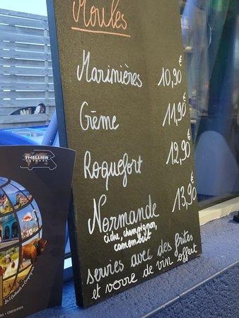 Saint-Germain-Sur-Ay, France : Des prix très raisonnables.