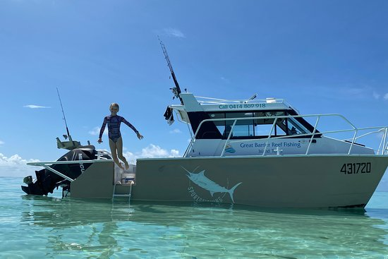 Great Barrier Reef Fishing & Island tours