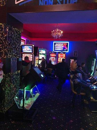 Casino Las Vegas Games – Dej, Cluj – gambling, casino, sloturi, păcănele, jocuri de noroc, ruletă, jackpot-uri, pariuri sportive, cafenea, bar, băuturi din partea casei, tombole, premii cash, distracţie şi multe surprize