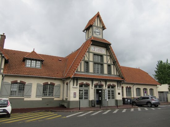 La Gare De Saint Leu La Foret