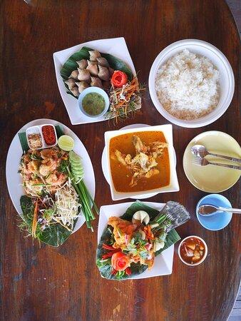 Khlong Prasong, Thailand: Seafood set