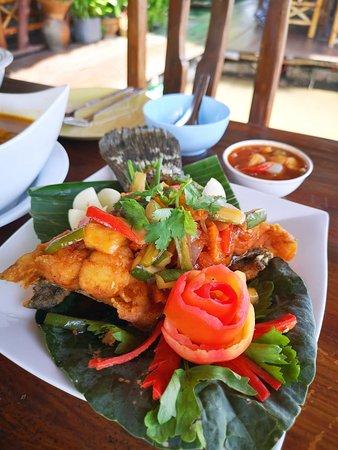 Khlong Prasong, Thailand: ปลาราดพริก
