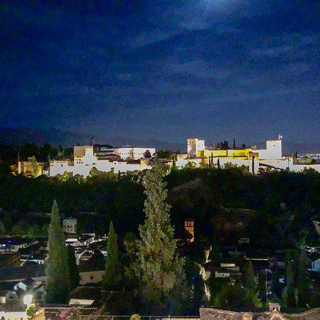 Excelentes vistas de la Alhambra.