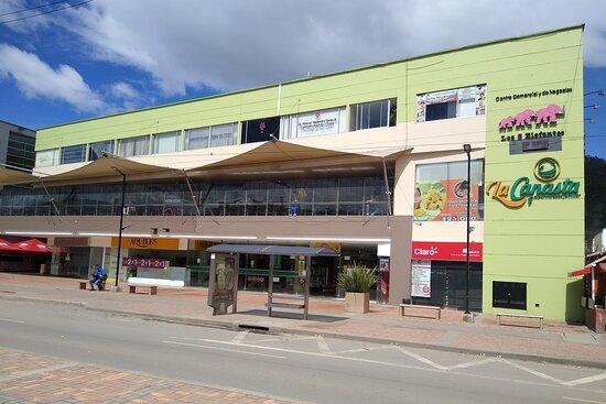 Centro Comercial y de Negocios IWOKA