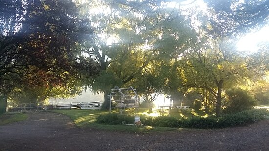 Barkly East, Južna Afrika: Summer front garden of the mainhouse