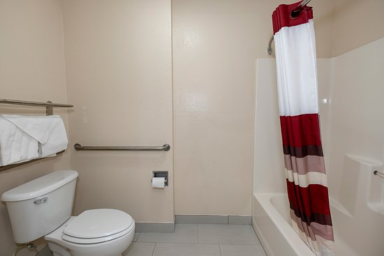 Red Roof Inn & Suites Pensacola - NAS Corry: Guest room amenity